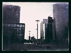 La défense (sergio.pereira.gonzalez) Tags: paris france la arch francia arco defense iphone arche sergiopereiragonzalez