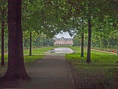 Schloss Benrath in Dsseldorf / NRW / Germany (KL57Foto) Tags: park castle castles germany deutschland und foto north nrw schloss dsseldorf schlosspark nordrheinwestfalen rhineland schlsser benrath burgen rhinewestphalia schlossbenrath landeshauptstadt dsseldorfbenrath benrather benratherschloss kl57