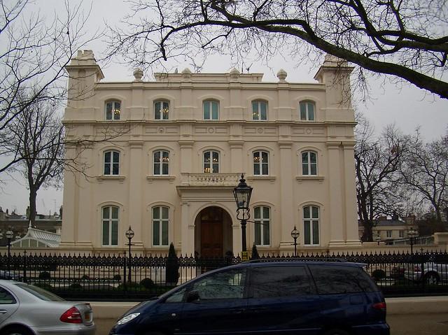 17_Kensington_Palace_gardens
