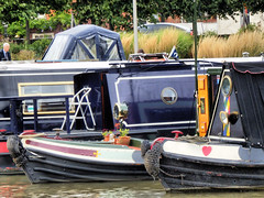 Canal Boats, Stratford-upon-Avon Canal (photphobia) Tags: water boats canal canals warwickshire stratford stratforduponavon navigli naviglio narrowboats canalboats stratforduponavoncanal