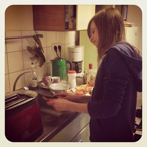 Lot gaat ons verrassen met een smakelijk rondje door de keuken. Restjes opmaken op Lot's onvolprezen creatieve wijze.