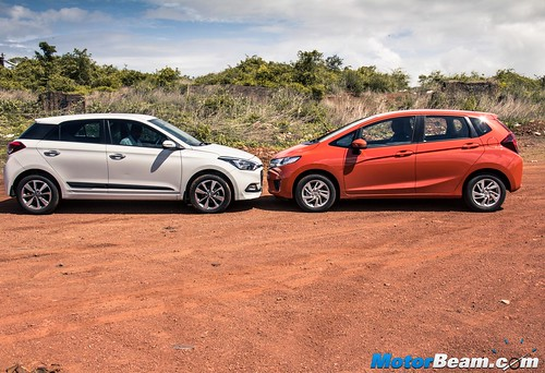 2015-Honda-Jazz-vs-Hyundai-Elite-i20-16
