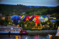 As if the balloons weren't enough, I also worked in a riverboat for your viewing enjoyment. ; ) Have a good weekend. (Roland 22) Tags: flickr chattanoogatennessee light shadow twilight evening tennesseeriver thedeltaqueen riverboat colorful hotairballoons coolidgepark