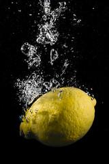 CLASSICAL LEMON SPLASH #3  IMG_5369 (photo.bymau) Tags: bymau canon 7d high speed flash syn speedhighspeedflash sync citron lemon water drop splash