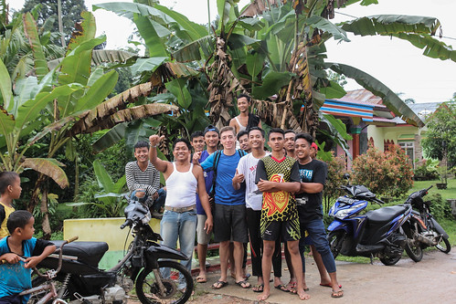 Group picture with the village next door