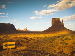 searching for John Ford (Jo-H) Tags: americanwest navajo nativeamerican monumentvalley utah butte desrt