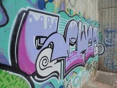 498 (en-ri) Tags: sewer lilla azzurro alessandria wall muro graffiti writing faccina smile faccia