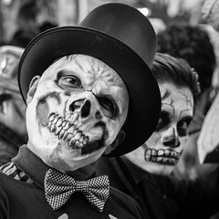 Day of the Dead Parade, Mexico City (Geraint Rowland Photography) Tags: squareformat dead skeleton spectre jamesbond halloween dayofthedead death diademuertos parade carnival visitmexicocity geraintrowlandstreetphotographyinmexicocity blackandwhite adorenoir blancoynegro candidporgtraits fancydress geraintrowlandphotography canon