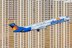 N420NV - McDonnell Douglas MD-83 - Allegiant Air (Bjoern Schmitt) Tags: n420nv allegiant air mcdonnell douglas md83 cn 49424 1284 las lasvegas building airplane