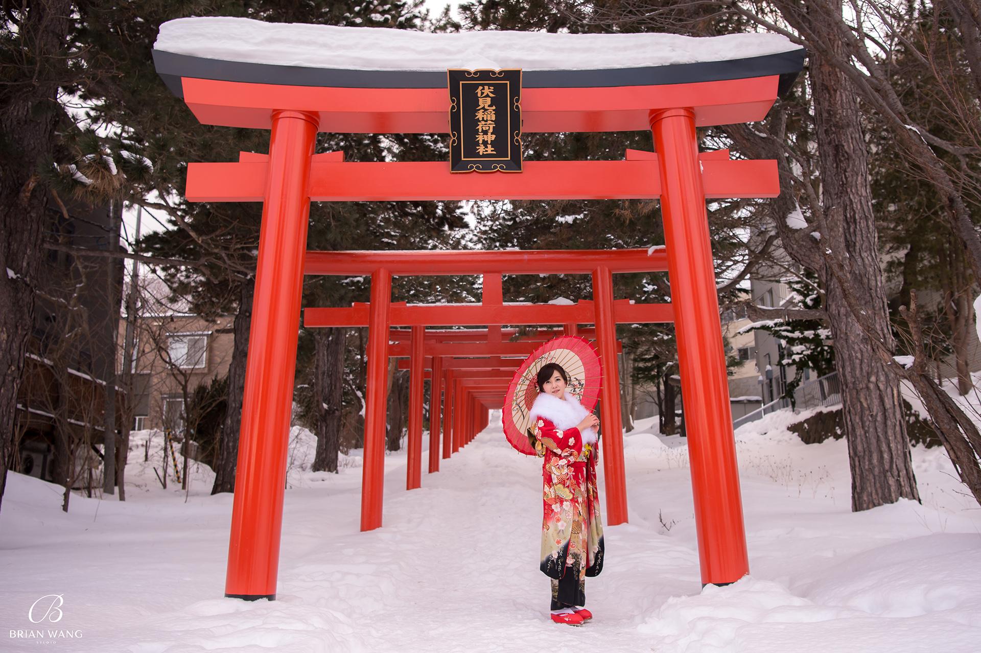 '北海道自助婚紗,北海道婚紗攝影,北海道雪景婚紗,海外婚紗價格,雪景婚紗,拍和服,北海道海外婚紗費用,伏見稻荷,札幌,1920BWS_6735-1'