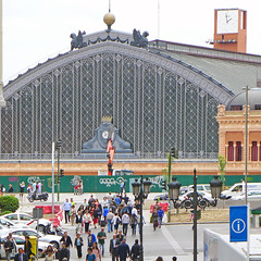 M10105820 (Lorgnon mlancolique / Melancholy spectacles) Tags: madrid gare atocha