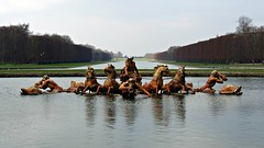Jardins de Versailles - Fuente y Gran Canal (Minastir eldain) Tags: horses lake paris gardens canon lago caballos fuente lac versailles 169 fontaine jardines jardins hs chevaux versalles sx40
