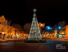 Christmas in Downtown Aiken, SC (APGougePhotography) Tags: christmas sc photoshop south southcarolina adobe hdr aiken onone d600 photomatix photomatixpro adobelightroom 2013 hdrsoft hdrbrackets nikond600 ononeperfecteffects aikendowntown phototshopcc
