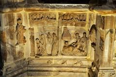Santo Domingo de la Calzada (La Rioja). Catedral. Sepulcro de Santo Domingo. Detalle (santi abella) Tags: larioja santodomingodelacalzada sepulcros catedraldesantodomingodelacalzada