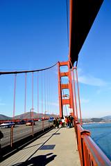 Golden gate (aaalf9) Tags: sf sanfrancisco california trip bridge red sky people usa beautiful cali architecture nikon shadows view windy structure goldengatebridge eua goldengate turist