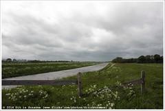 Afwateringskanaal (Dit is Suzanne) Tags: netherlands walk nederland pieterpad overijssel wandeling  views100 gemeentehardenberg etappe9  onderweginnederland ontheroadinthenetherlands ditissuzanne img6333 canoneos40d afwateringskanaal holtheme  overijsselprovince sigma18250mm13563hsm 11052014 municipalityhardenberg  coevordengramsbergen