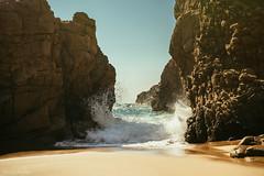 Ursa (-=AE=-) Tags: vsco 6d canon light rocks beach ursa praia lisbon sintra portugal