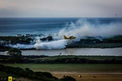 Incendio platamona (15) (Autolavaggiobatman) Tags: canadair fuoco incendio platamona pineta elicottero stagno fiamme fumo mare sardegna