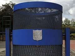 No. 1287 - 20 de noviembre/16 (s_manrique) Tags: caneca escudo azul metal