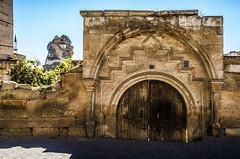 Comped (Melissa Maples) Tags: ortahisar turkey trkiye asia  nikon d5100   nikkor afs 18200mm f3556g 18200mmf3556g vr kapadokya cappadocia fortress ortahisarkalesi archway doorway door trkiye