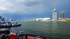 Buitje op komst. Het IJ met zicht op het EYE filmmuseum en de Amsterdam Toren (Bobtom Foto) Tags: amsterdam ij eye filmmuseum netherlands tower toren weer buienradar wheather rain