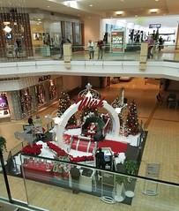 November 28, 2016 (4) (gaymay) Tags: california desert gay love riversidecounty coachellavalley westfieldmall mall shopping stores palmdesert santa santaclause inside