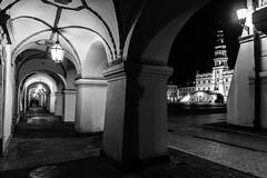 Zamosc 3 (RafalGorski) Tags: zamosc zamoyski lubelskie lub lubelszczyzna monochrome bw black blackandwhite city urban architecture architektura nikon nikkor tripod night longexposition