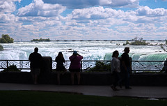 Silhouettes in awe (Bob Gundersen) Tags: bobgundersen gundersen robertgundersen nikon nikoncamera nikond600 d600 niagarafalls ontario canada interesting image outside outdoor exterior scenes shots shoreline scene water waterfall landscape river blue