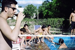 Refresco (chacanin) Tags: summer people sun hot film water pool analog swimming 35mm 50mm fuji drink f14 canonae1 fd catamarca fernet refresh superiaxtra400