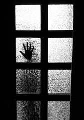 Not For You (CoolMcFlash) Tags: hand window door bw black white monochrome canon eos 60d tamron b008 18270 silhouette thrilling story atmosphere horror spooky closed person squares fenster türe verschlossen sw schwarz weis monochrom umris spannend geschichte unheimlich fear angst geschlosen vierecke mood stimmung finger gettyimages photography fotografie kontur bnw