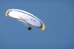 Cte d'Opale, parapente (Ytierny) Tags: france sport horizontal ciel vol voile parapente pasdecalais littoral loisir ctedopale vollibre ytierny