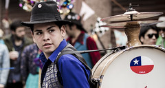 Chinchinero (- PepeGrafia -) Tags: chile chinchinero fiestadelaprimavera barrioyungay fiestadelaprimavera2013