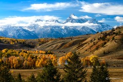 Gros Ventre Splendor (craig goettsch) Tags: road mountains clouds river landscape nikon fallcolors valley wyoming grandtetons d600 grosventre coth5 flickrsfinestimages1 flickrsfinestimages2 flickrsfinestimages3