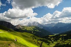Panorama da Passo Sella (tampurio) Tags: summer sky italy panorama mountain mountains green clouds montagne landscape italia nuvole cielo paesaggi prato montagna sella paesaggio dolomiti südtirol altoadige dolomit passo prati