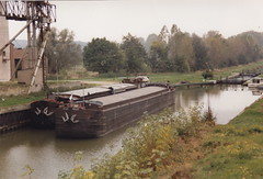 Return to the Somme, October 1991 (lower_incer) Tags: péniche narrowboat cappy grainsilo fluvial nolis frenchcanals tourismefluvial frenchwaterways froissy frenchriverscanals canaldelasomme nbfalcon narrowboatfalcon canauxetrivieres noliser