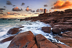 Ploumanac'h morning ... (Ludovic Lagadec) Tags: cotedegranitrose poselongue paysage plage phare ploumanach bretagne breizh brittany beach bretagnenord nisi ndfilter nd64 gnd8 gndreverse rocks rochers water waves wave waouw wow world longexposure ludoviclagadec landscape longueexposition colors sunrise morning marin mare mer manche matin cloud automne rose