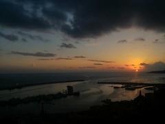 La fine di un altro giorno senza Te. (*DoNy*) Tags: sciacca tramontosulmare tramontodiungiornochevogliodimenticare tramonto tramontidisicilia sunset sicilia sicily portodisciacca porto seascape dacasamia danimimanchi