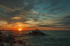 Autumn sunrise (II) (eztopo79) Tags: arenys mar maresme barcelona sunrise amanecer albada morning seascape rocks clouds cloudy canon sigma formatt hitech catalonia catalunya mediterranean