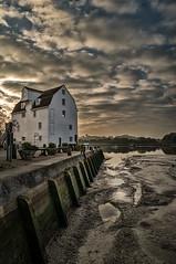 Woodbridge Tide Mill (Len Spen) Tags: woodbridge tide mill suffolk nikon d5000 outdoor colour landscape riverdeben