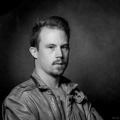 Mister P (Alexis Cayot) Tags: square cayot blanc alexis l noir 5d eos macro ef carre 28 format portrait 100 markii canon
