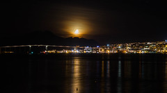 Moon above Tromsø (Bente Nordhagen) Tags: hav høst måne mørke speiling utsikt moon bridge sea reflections darkness tromsø mountains silhouette