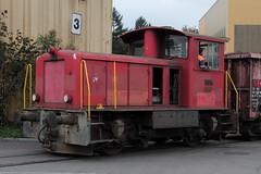SLMNr 4965 : Thommen recycling  Traktor Tm IV 8773 ( Ex SBB Cargo - Neu Tm 232 123 - Hersteller SLM Nr. 4965 - Inbetriebnahme 1974 - Dieseltraktor Rangiertraktor ) am Bahnhof Kaiseraugst im Kanton Aargau der Schweiz (chrchr_75) Tags: albumzzz201610oktober christoph hurni chriguhurni chrchr75 chriguhurnibluemailch oktober 2016 bahnrangierfahrzeugeprivateranbieter rangierfahrzeuge privater anbieter albumbahnenderschweiz schweiz suisse switzerland svizzera suissa swiss rangierfahrzeug bahn eisenbahn schweizer bahnen zug train treno albumbahnenderschweiz2016712 rangiertraktor traktor dieseltraktor sbb cff ffs 232 tm iv juna zoug trainen tog tren поезд lokomotive паровоз locomotora lok lokomotiv locomotief locomotiva locomotive railway rautatie chemin de fer ferrovia 鉄道 spoorweg железнодорожный centralstation ferroviaria
