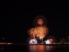 PA140080 (manabu kato) Tags: enoshima fireworks kanawaga epm2 19mm signa dn mft nd8