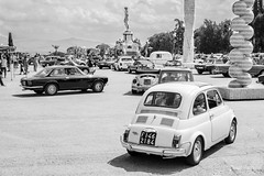 old school (hagi-pictures) Tags: piazzale michelangelo italy italien alt old oldtimer schwarz weis black white car auto florence florenz firence retro street