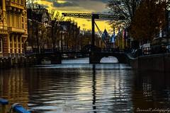 canales de amsterdam (danivalle76) Tags: amsterdam canales 18200mm sigma nikond3200 europa cielos colores pasesbajos paisajes nikon atardeceres