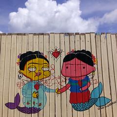 Duas fridas sereias (Moara Negreiros.) Tags: frida sereia abacaxi duas fridas mural arte urbana