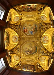 2013: muse du Louvre #157 (dominotic) Tags: roof sculpture paris france art history archaeology water fountain glass statue museum architecture painting gold gallery angle pyramid louvre ceiling marble antiquities musedulouvre pyramidedulouvre 2013 grandlouvre