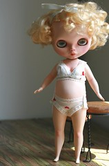 Soozee boudoir (Kittytoes) Tags: blythe custom saffy soozee