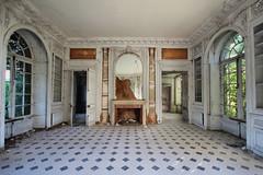 Chateau des Singes (Kete) Tags: france europe des mansion chateau manor urbex