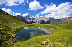 Lac d'Ansabère (Legi.) Tags: reflection clouds nikon lac sigma nubes 1020 cirque reflejos pyrénées pirineos ibón aquitania lescun dansabère ansabère d5100